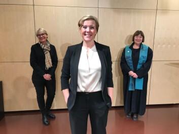 Pedersen med&nbsp;<span>Nina Emaus (t.h) og Tove Aminda Hanssen på behørlig avstand. (Foto:privat)</span>