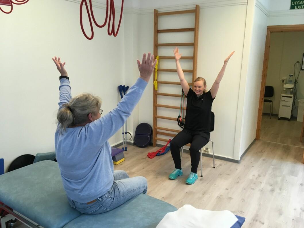 Fysioterapeut Sara Ueland Langerak i Haugesund anslår at mellom 15 til 20 prosent av pasientene hennes har fått funksjonen markant påvirket av at klinikkene var stengt i fem uker. (Foto: privat)