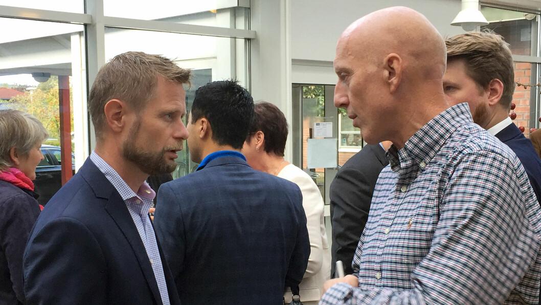 Ministeren og forbundslederen: Helseminister Bent Høie i prat med NFFs forbundsleder Fred Hatlebrekke.