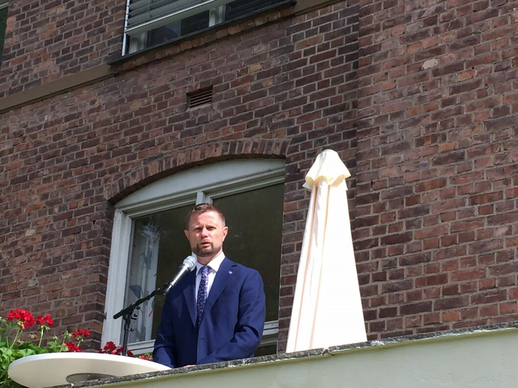 Helseminister Bent Høie aktivt tilstede under åpningen. Foto: John Henry Strupstad