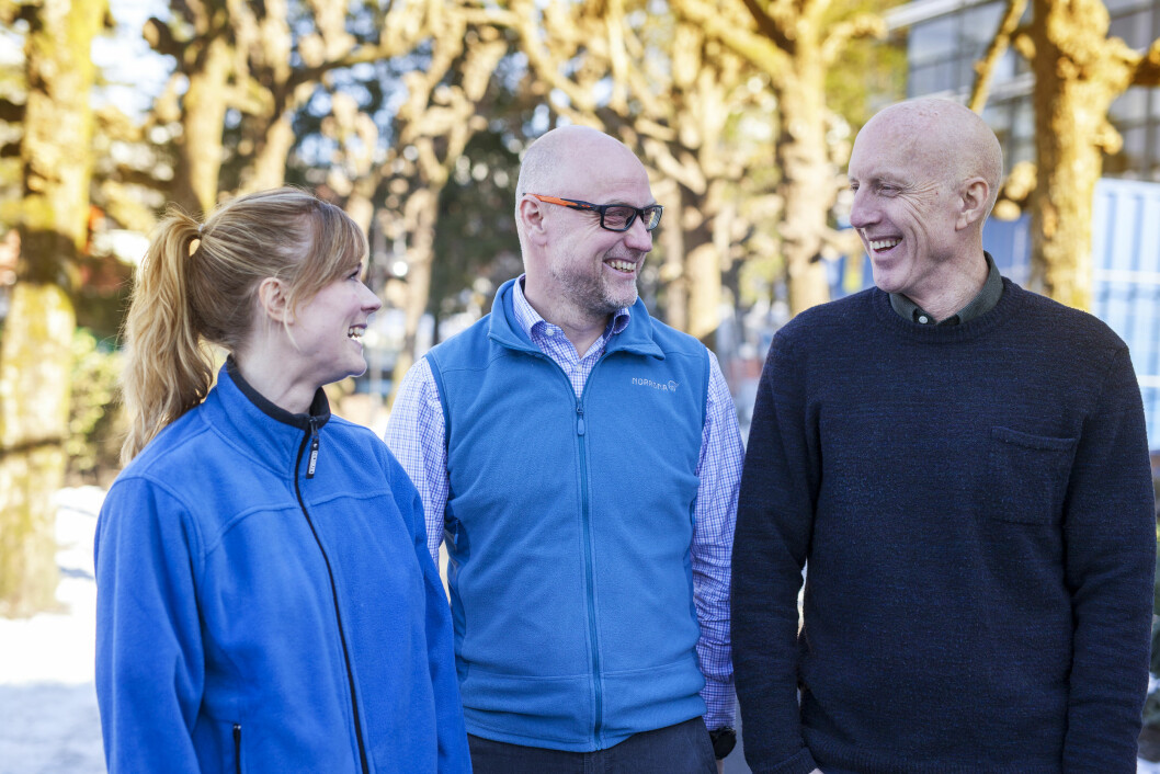 Fra venstre: Anne Gro H.Faleide og Tor Frithjof Wigers Larsen, Haraldsplass sykehus, og NFF-leder Fred Hatlebrekke .