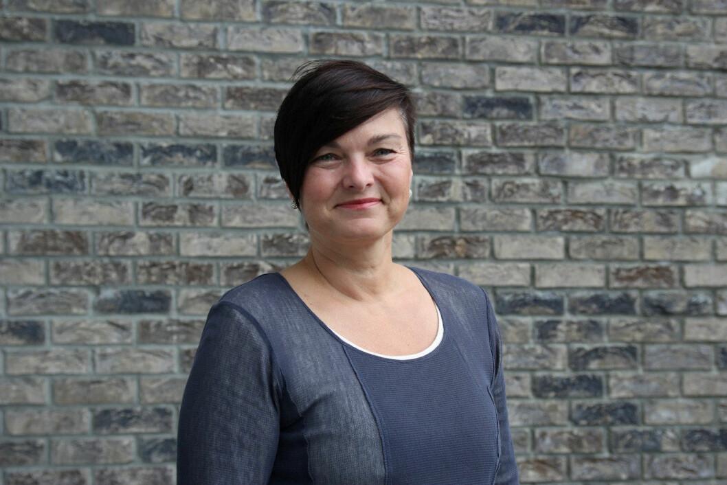Anne-Grethe Naustdal ved Høgskulen på Vestlandet (HVL) ønsker en god og aktiv skikkethetsvurdering tidlig i studiet istedenfor vurdering for egnethet før opptak. Foto: Katrine Sele/HVL