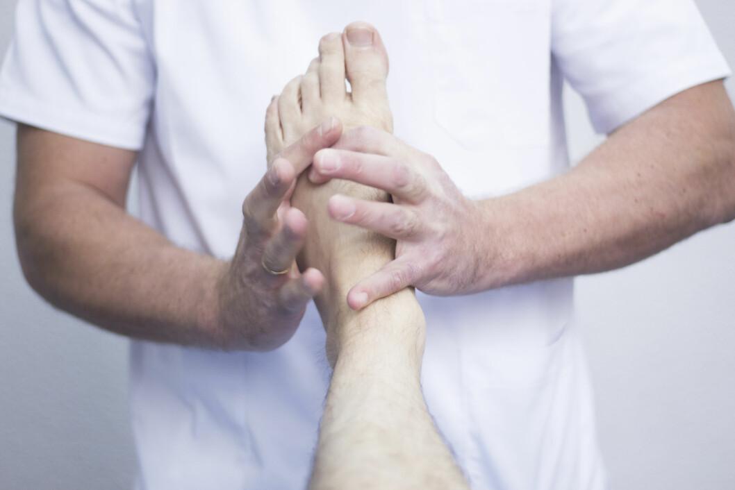Både Høyre, Fremskrittspartiet og Venstre er åpne for at osteopater og naprapater kan få autorisasjon som helsepersonell.