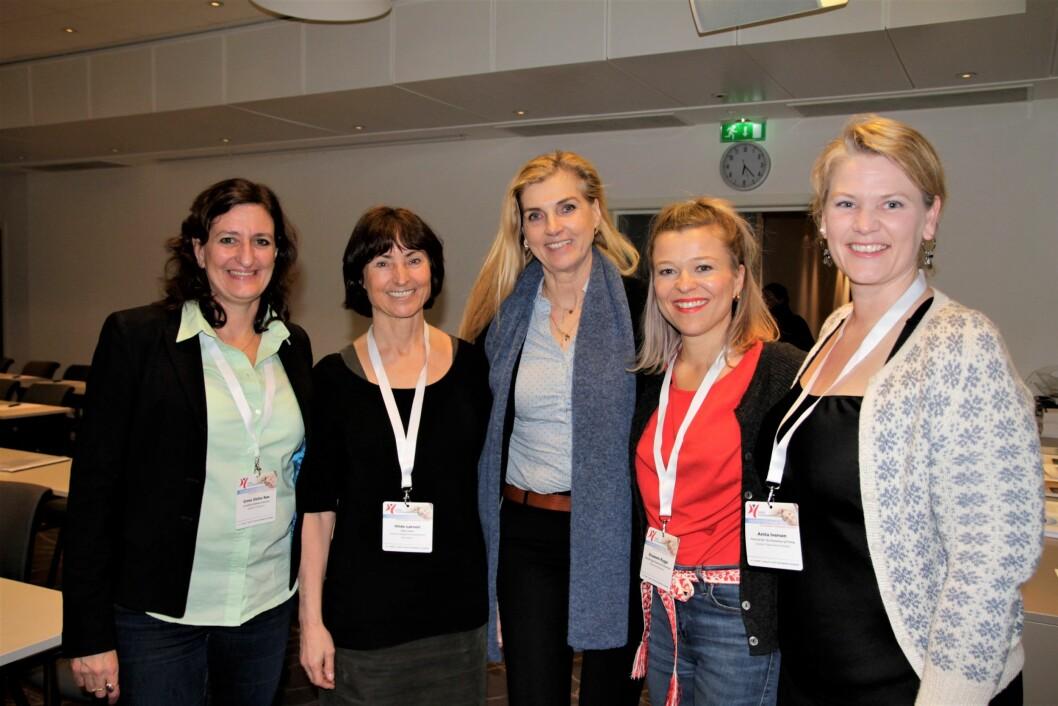 Psykomotorikerne bør få henvisningsrett til psykologtjeneste, DPS, psykiater og billeddiagnostikk, mener leder for faggruppen for psykomotorisk fysioterapi Merete Tønder (i midten). Her med styremedlemmene Grete Dafne Røe (fra venstre), Hilde Røger Løtveit, Elisabeth Rygge og Anita Iversen på årsmøtet i Ålesund nylig.
