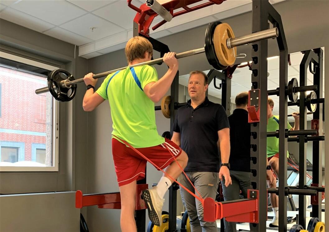 Fysioterapeuter må tørre å ta litt i når de skal trene opp pasienter, mener Kenneth Martinsen i Faggruppen for idrettsfysioterapi og aktivitetsmedisin. (Foto: privat)
