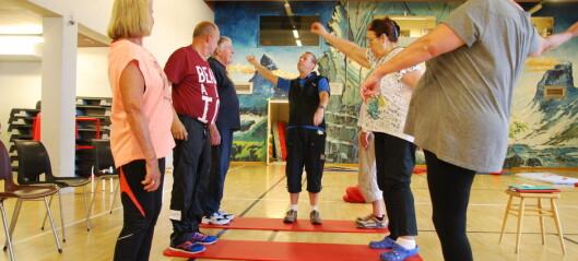Kan balanse hos eldre påvirkes av et tre  ukers opphold på rehabiliteringssenter? En randomisert kontrollert klinisk studie