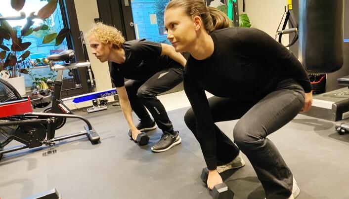 Lene Duus føler hun får god hjelp av fysioterapeut Christoffer Grimmert Hopstock og andre personlige trenere/fysioterapeuter ved Summit.