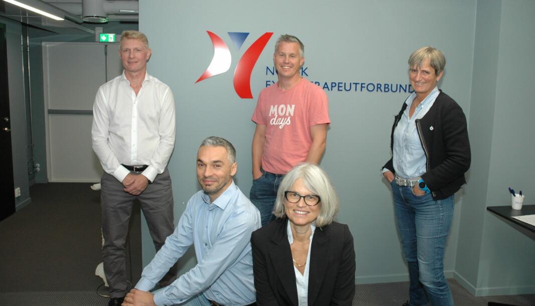 Deler av forhandlingsutvalget. Fra venstre: Morten Bjerkhaug , Salvatore Scoglietti, Lars Håvard Høgvoll, Bente Øfjord og Gerty Lund.