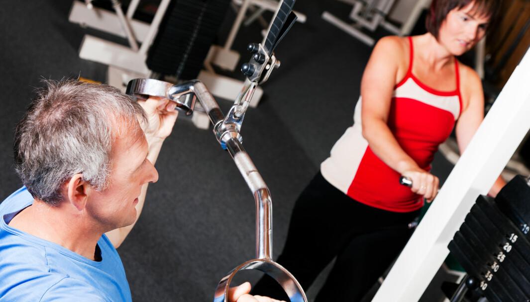 - Fysioterapeuter bør gi eldre som trener styrke øvelser med motstand som har effekt, sier Ida Bjerke, leder i faggruppen fysioterapi for eldre.