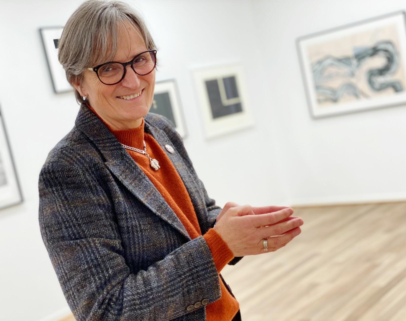 Nyttårsintervju med Gerty Lund ble heller ikke helt som forventet. Vi stakk innom et galleri - og da erfarte vi at Lund er særdeles kunsinteressert.