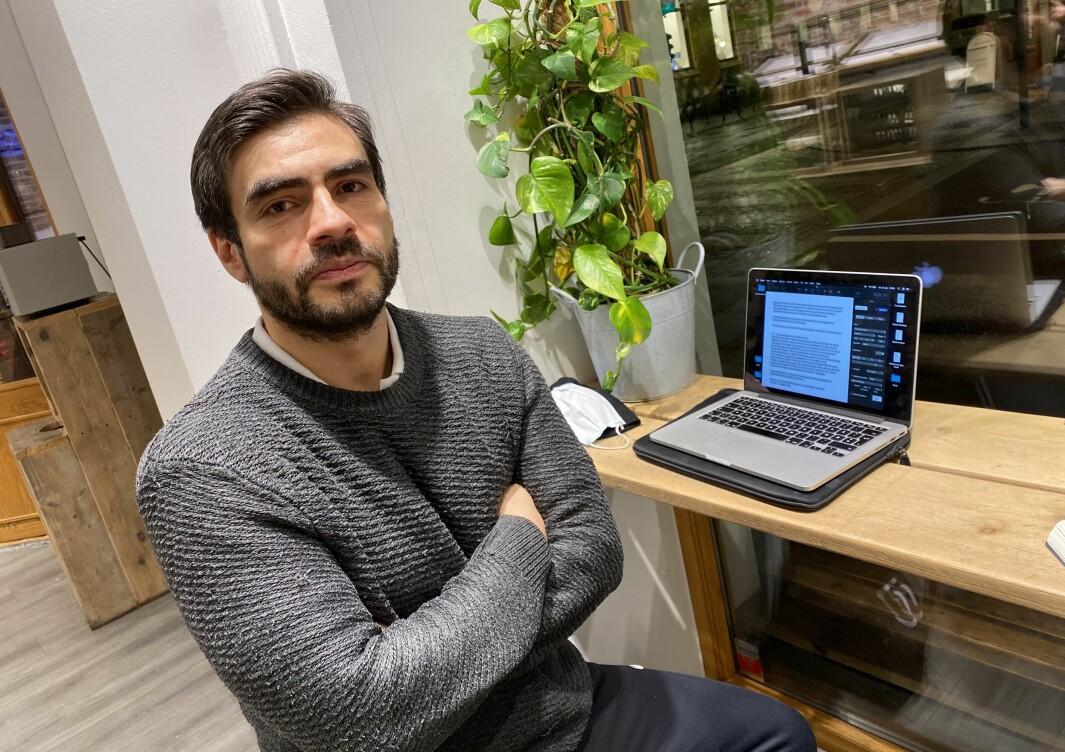 Felipe Aleksander Pavez skiftet navn og fikk jobb.