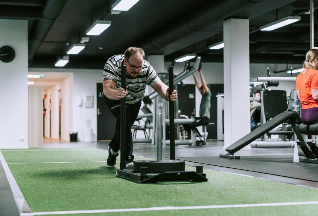Bernt Mikal Marø trener tøft når han er på Movon i Sandnes.