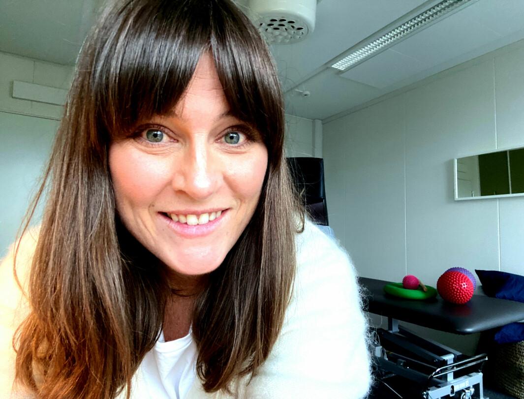 Psykomotorisk fysioterapeut Marthe Sandsør mener flere pasienter bør behandles i spesialisthelsetjenesten fremfor å sendes til psykomotoriske fysioterapeuter med driftsavtale..
