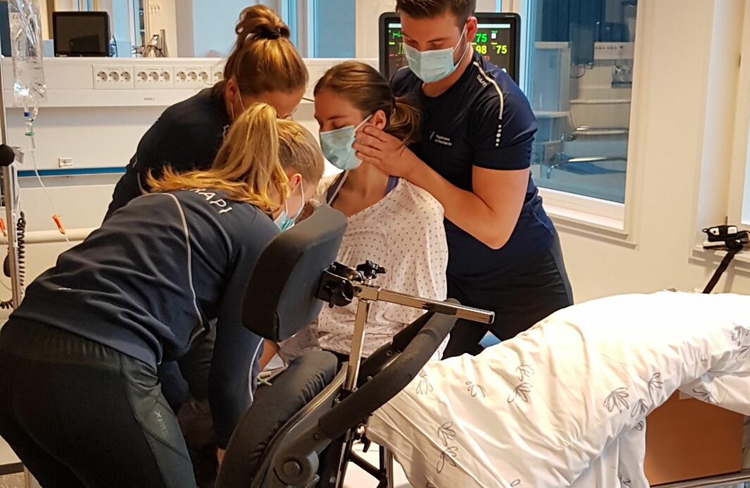 Studentenes hverdag har endret seg under pandemien. Her fra simuleringsundervisning i Bergen som ble gjennomført med strenge smitteverntiltak.