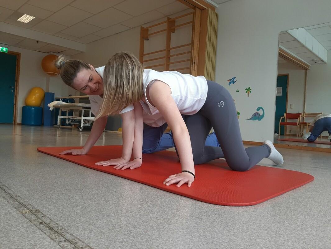 Annelie Malm tar tilleggsutdanning for å bli psykomotorisk fysioterapeut og er med i et lavterskeltilbud.