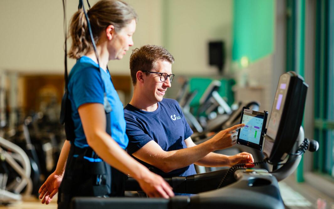Martin Moum Hellevik er fysioterapeut ved CatoSenteret og har en master i klinisk nevrologisk fysioterapi.