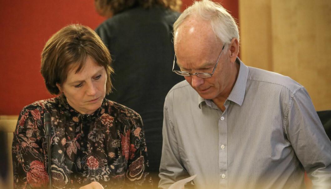Kjersti Toppe er helsepolitisk talsperson i Senterpartiet. Her er hun sammen med partifelle Per Olaf Lundteigen.