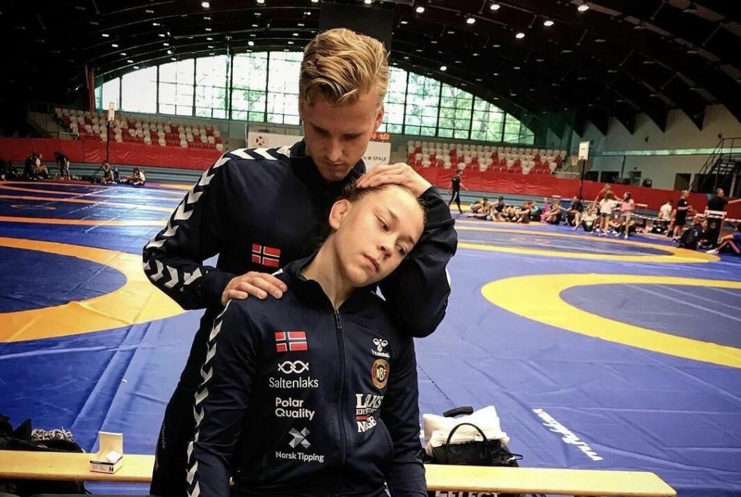 Jakob Larsen jobber med det norske brytelandslaget.