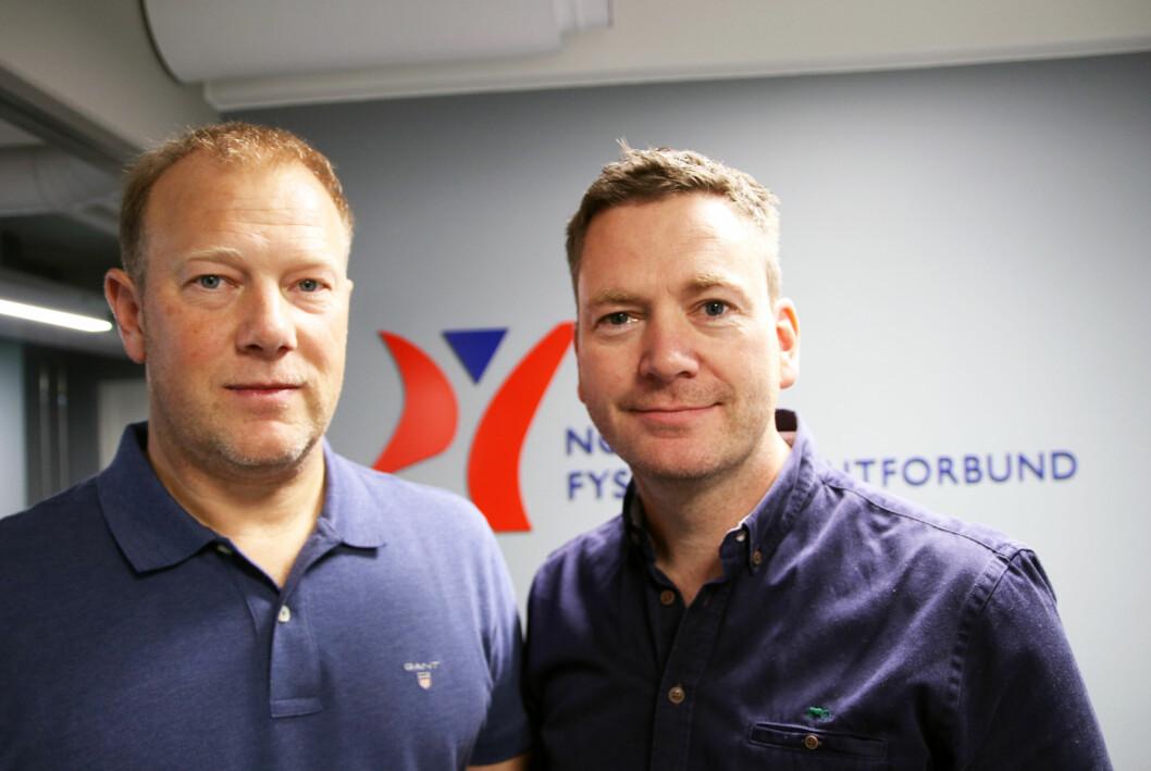 Per Olav Peersen, leder av næringspolitisk råd i NFF (t. h), og Kenneth Martinsen, leder for faggruppen for idrettsfysioterapi og aktivitetsmedisin i NFF.