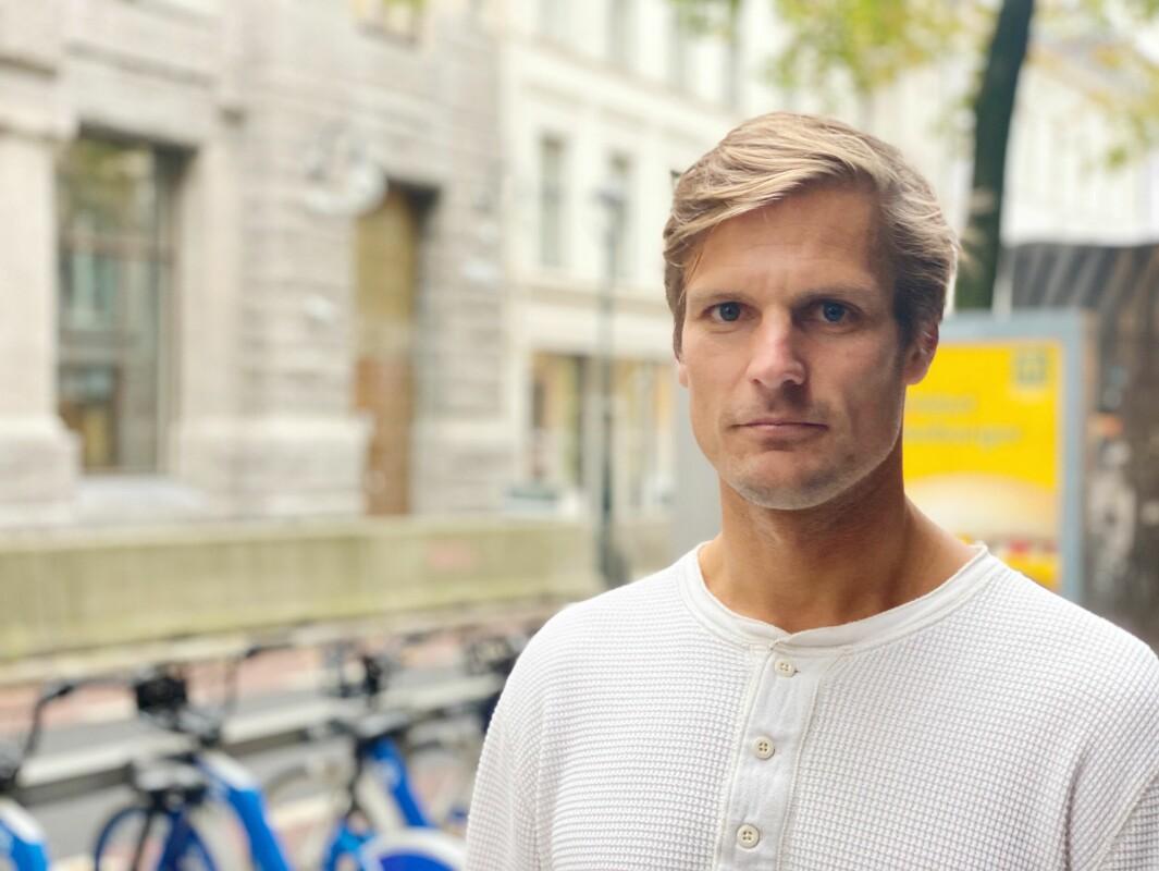- Vi løser neppe verken frafallet i norsk idrett, eller forebygger skader ved å få flere fysioterapeuter på treningsfeltene til unge idrettsutøvere. Og hvem skal i så fall betale for det, spør Lars Haugvad.